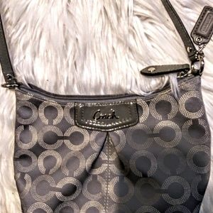 Coach Bags - 🐎❤ EUC! Authentic Coach Crossbody 🐎❤